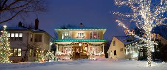 Best Way To Hang Icicle Lights On House The Dos And Donts Of Hanging Christmas Lights Certainteed