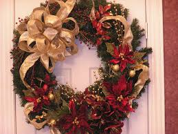 Decoration Ideas, Fantastic Gold Ribbon With Chic Pine Leaf Arragement As Christmas  Wreath Interior Design Decoration In Cool White Front Door: 28 Creative ...