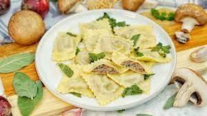 Selbstgemachte Ravioli mit Pilzfüllung | Rezepte: Kochen, Backen, Getränke  |