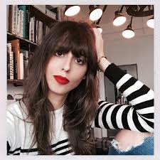 red lipstick secrets from an impossibly chic french makeup artist including tips for lip scrubs balms and what to pair with red lips makeup wise