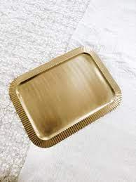 Goldenes Tablett eckig H&M Home gold Riffel in 1180 Vienna für 5,00 € zum  Verkauf