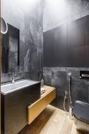 Ruim Toilet Met Houten Vloer En Betonlook Tegels Interieur Inrichting