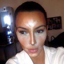 kim s make up artist joyce bonelli once revealed how exactly she tends to the star s eyebrows on kim i use smashbox s eyebrow styling pencil