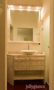 Produciamo mobili bagno in crash bambu su disegno.