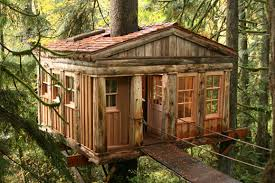The cabins themselves have a wonderfully rustic look to them, made out of  wood that could have been cut from the very forest that surrounds you.