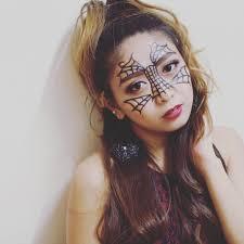 simple spider web makeup
