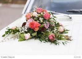 Car jewelry wedding: car jewelry holder | Autoschmuck hochzeit, Hochzeit  blumendekorationen, Autodeko hochzeit