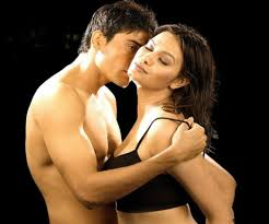 Hot Girls Images Bollywood Sexy Love Making Kissing Hot Scenes.