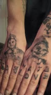 татуировки на пальцах рук мужские и женские тату фото