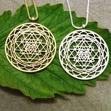 sri yantra pendant silver plated necklace