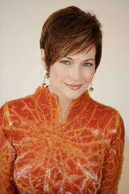 carolyn hennesy short pixie hairstyles for older women