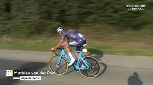 Primus Classic: trionfo Deceuninck con Florian Senechal, sfortunato Van der  Poel