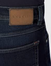 Thanks to the 2% elastane content and the casual, straight cut (regular fit) with normal waist height, the model nevada has a perfect fit and ensures incomparable comfort. Bugatti Herren Straight Leg Jeanshose 3280d R 16640 Amazon De Bekleidung
