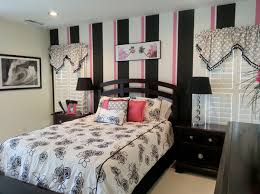 7. Contemporary Black and Pink Bedroom