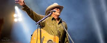 Alan Jackson Performs To Sold Out Kfc Yum Center In