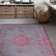 derelict rug pink