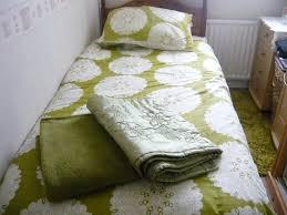 lime single bedroom green greencream duvet cover set and throwbed runner mint green bedroom neon