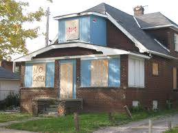 a vacant home presents additional risks that an occupied home doesn t this is typically the reason most homeowner insurance policies