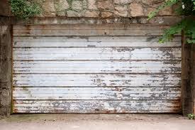 small garage doorRepair vs Replacement Options for Old Garage Doors
