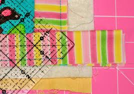 How to bind your quilt using… 'Stitched Mitered Corners' & Fold ... Adamdwight.com