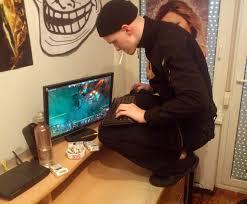 how to play dota 2 slavs squatting