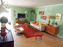 View in gallery Fabulous midcentury modern home with inviting warmth