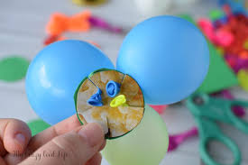 making this diy balloon centerpiece is quick and easy they re so fun and