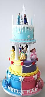 25 beste idee n over Disney princess birthday cakes op Pinterest