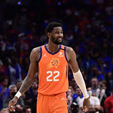 Deandre Ayton continues playoff ...
