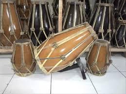 Alat musik selanjutnya yang sudah populer dan terkenal di masa sekarang adalah gendang. Alat Musik Tradisional Jawa Barat Nama Gambar Penjelasan