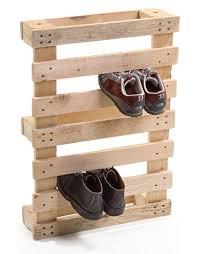 mudroom pallet shoe rack