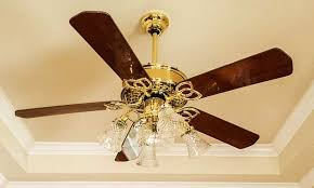 clean ceiling fan blades after cleaning with a pillowcase