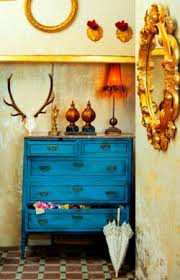 White washing furniture Chalk Annie Sloan Paint You Can Also Use Any Colour Of Paint To Whitewash Pieces Of Furniture Buzzlike Easy Diy Tips For Whitewashing Furniture Diy Lifestyle