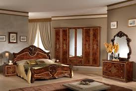 Stylish Classic Italian Bedroom Wallpaper