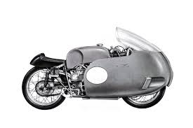desainnya yang mirip sama torpedo membuat fairing ini juga kerap disapa torpedo fairing jaman dulu sih kerap diadaptasikan ke motor motor balap