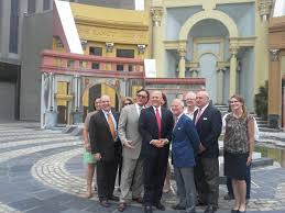 or landrieu unveils piazza d italia renovation plans wwno new orleans or mitch landrieu and the canal street development corporation meet at the piazza d italia to announce renovation plans