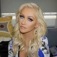 voice usa topknot christina aguilera makeup