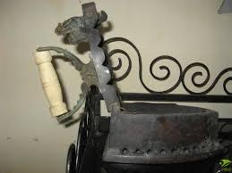 bàn ủi con gà xưa bằng đồng - Phố Đèn, Quạt, Đồ Kim Loại - [ Phố Xưa Và Nay]