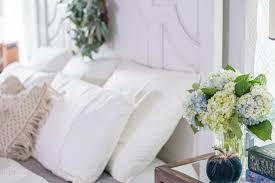easy fall bedroom decorating ideas