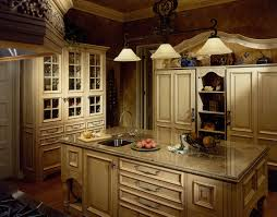 Easy Interior Decorations For Traditional Kitchen Enhanced With ...