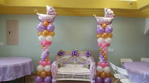 Baby shower couples bench / love seat & balloon columns