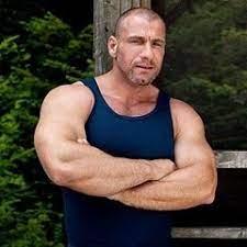 Handsome bodybuilder marc maloney also called marc vallint - Health Niche