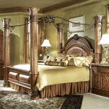 Exceptional Monte Carlo Queen Canopy Bed In Classic Pecan