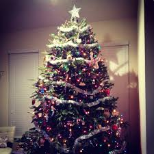 2012 Christmas Tree -- TwoPurpleCouches.com