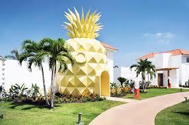 real underwater hotel. Spongebob-squarepants-hotel-pineapple-nickelodeon-resort-punta-cana- Real Underwater Hotel