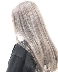 金髪のヘアカタログ19選ショートボブや髪色に合う眉毛カラーも Cuty