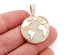 icebox world globe pendant 14k 1 37ctw