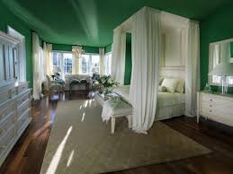 Master Bedroom Hgtv Designing The Bedroom As A Couple Hgtvs Decorating Design