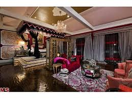 New 25 Red Mansion Master Bedrooms Design Ideas Of Red Mansion