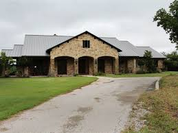large equine facility in ne texas